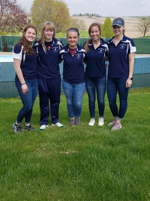 Warrior girls' golf team: Lexi, Addie, Riley, Isabelle, Jenna