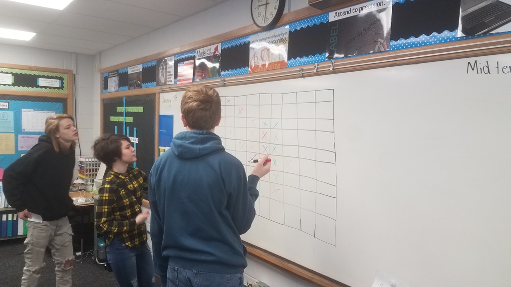 Algebra1 playing Connect 4